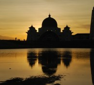 malacca-straits-mosque-3